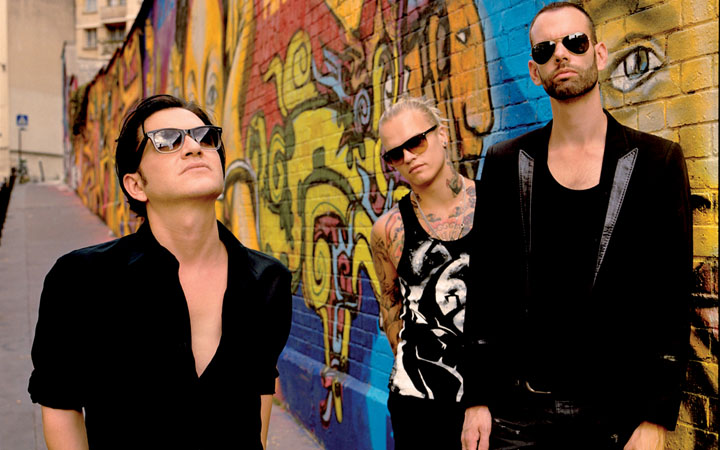 Placebo regresa a Chile el 10 de abril