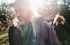 "Dinosaur Jr. vuelve con nuevo disco, ""Give a Glimpse of What Yer Not"""