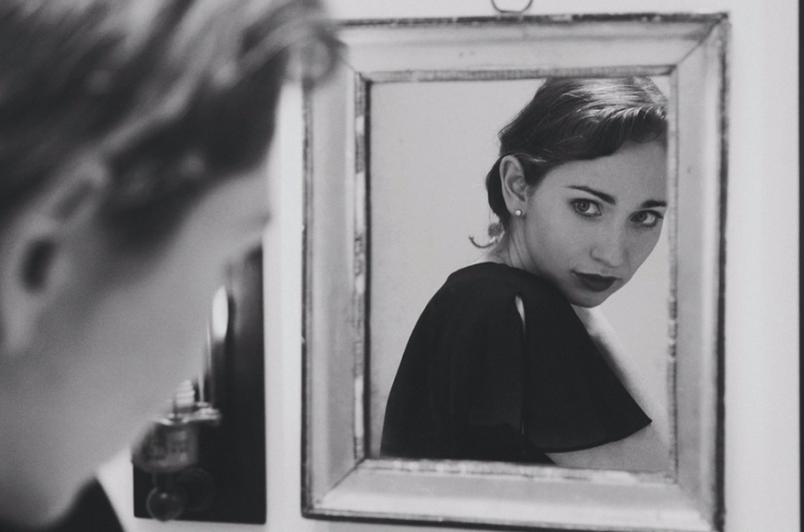 regina-spektor-black-and-white